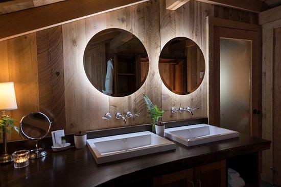 Clayoquot Sound, Canada: Ensuite Bathrooms