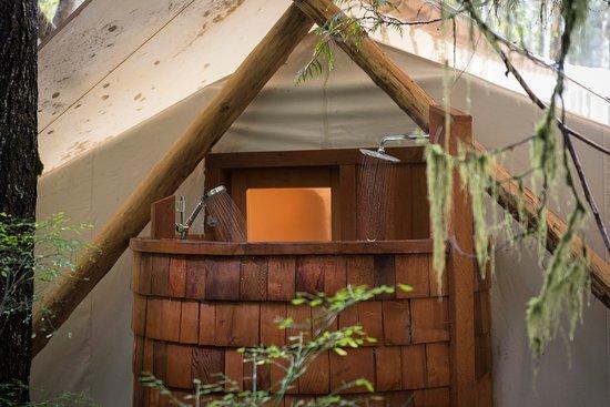 Clayoquot Sound, Canadá: Outdoor Cedar Shower