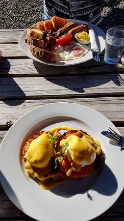 Timaru, Nowa Zelandia: Big breakfast and Eggs Benedict
