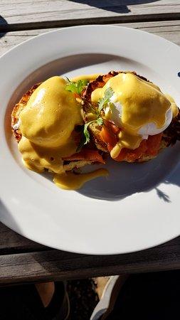 Timaru, Nowa Zelandia: Eggs Benedict with Salmon
