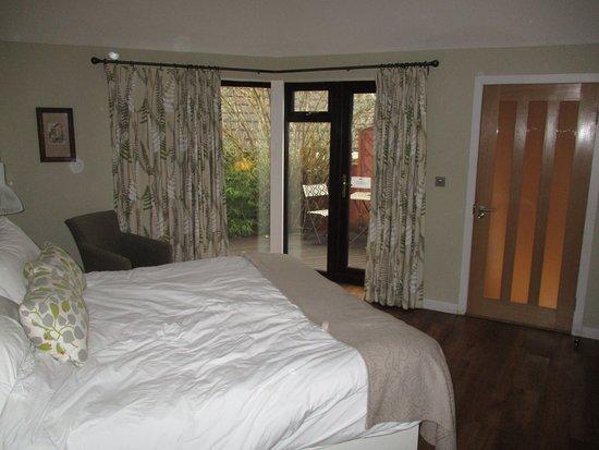 Tatsfield, UK: The Bakery Restaurant with Rooms Bedroom and veranda