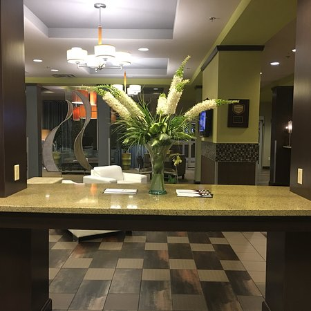 Riverwind Hotel: What a beautiful lobby!!