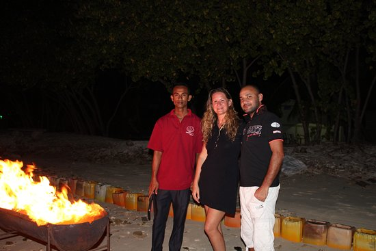 Гураидхоо: Beach BBQ after fishing trip