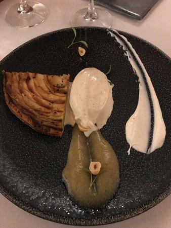 Satigny, سويسرا: tarte aux pommes