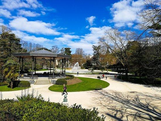 LRM_EXPORT_20180310_171531_large.jpg - Picture of Jardin du Grand ...