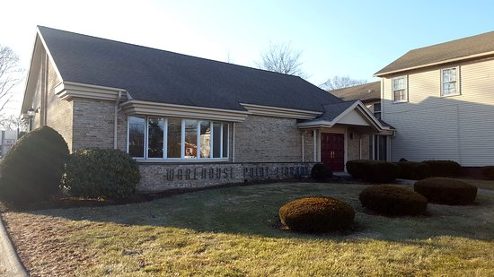 East Windsor, CT: Library Frontage