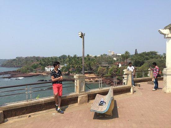 Dona Paula Beach and Viewpoint: Dona Paula