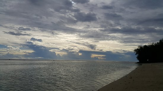 Aroa Beach 사진