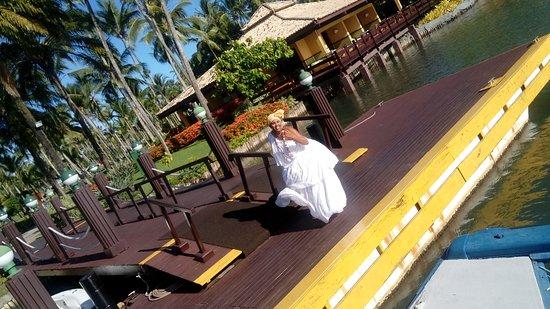 Hotel Transamerica Ilha de Comandatuba: Recepção da balsa... A baiana!