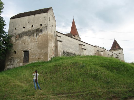 Villages with Fortified Churches: Saros pe Tarnave fortified church