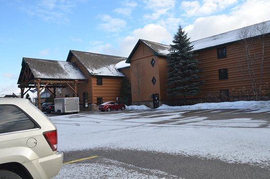 Alanson, MI: Lobby entrance, and parking lot