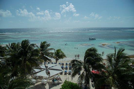 Pez Quadro Beach Club: Playa