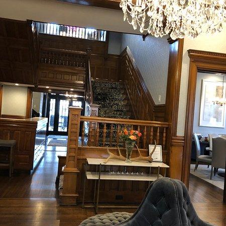 Hotel Finial: photo2.jpg