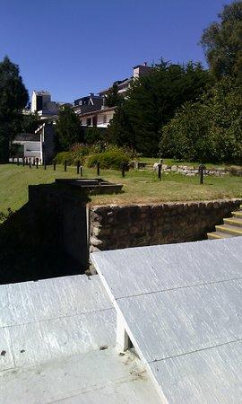 Hotel Tres Reyes: Vista de la habitaciòn al jardín