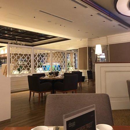 Divan suites batumi batum g rcistan otel yorumlar ve for Divan suites batumi