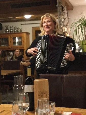 Les Hauderes, Schweiz: Claudia the manager