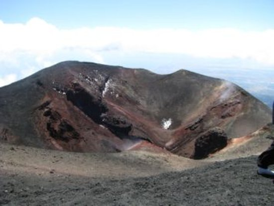 Province of Catania, Italy: Этна, один из кратеров