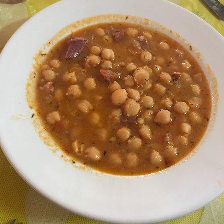 Guamasa, Spain: Recomendado, buena comida, buena atención y excelentes precios