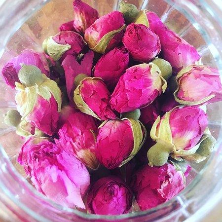 יאללה באסטה: תה ורדים מלוינסק