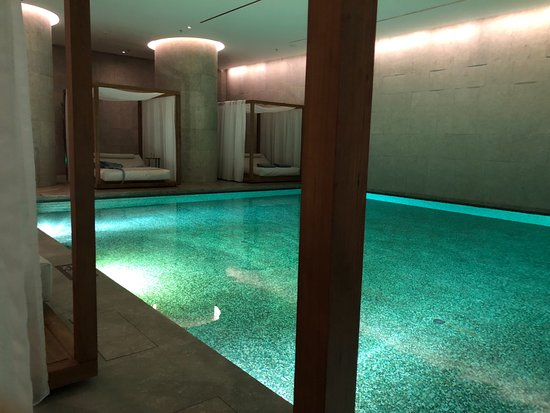 The Bulgari Hotel Beijing: Poolside beds & Poolside beds - Picture of The Bulgari Hotel Beijing Beijing ...