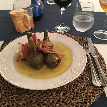Viana, Spain: Menu of the day - quite delicious and surprisingly good! Including wine only 25€. Definitively a