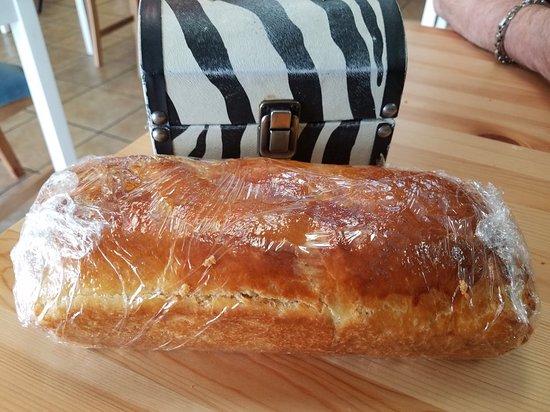 Manchester, Теннесси: Fresh baked brioche bread