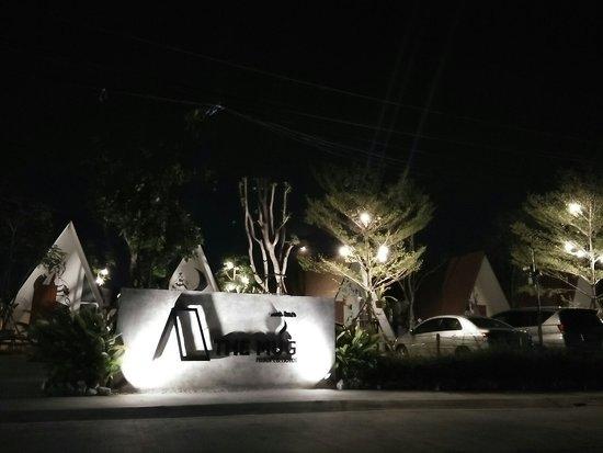 Ang Sila, Tajlandia: The Mug Resort