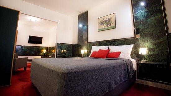 hotel napoleon bastia voir les tarifs 128 avis et 28. Black Bedroom Furniture Sets. Home Design Ideas