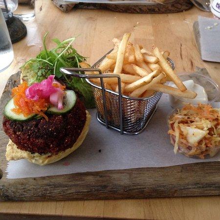 South Petherton, UK: Delicious burger
