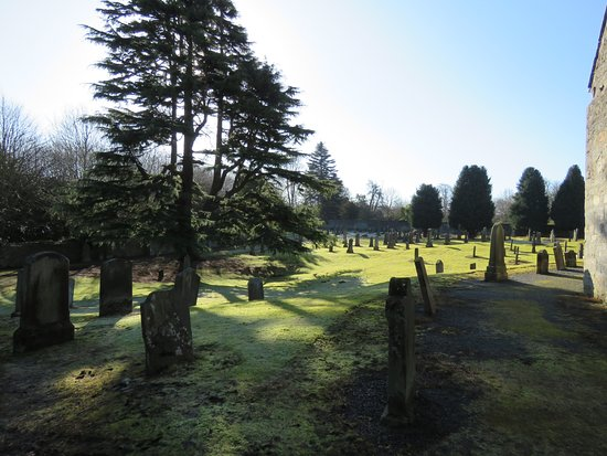 South Queensferry, UK: graveyard