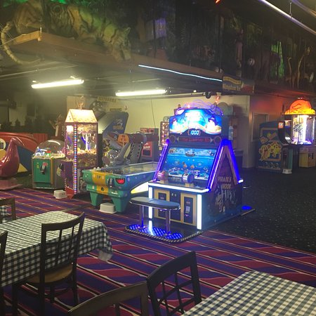 photo3 jpg - Picture of Arnold's Family Fun Center, Oaks