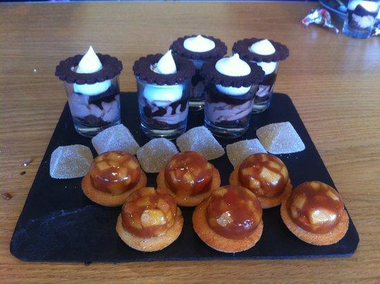 Sainte-Preuve, Frankreich: Mignardises accomapgnant quelques tasses de thé