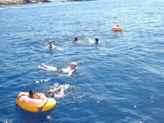 Fiumefreddo di Sicilia, Italia: sosta con bagno nella baia di Taormina