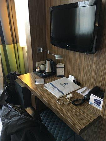 best western hotel brussels south ruisbroek belgi foto 39 s reviews en prijsvergelijking. Black Bedroom Furniture Sets. Home Design Ideas