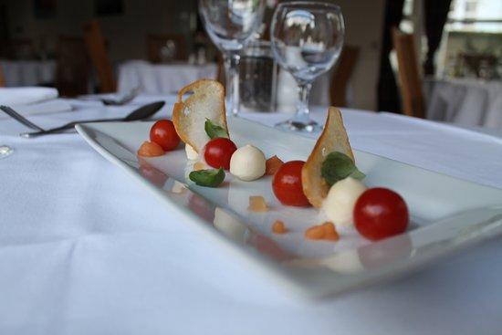 Royal Sportsman Hotel: Confit Tomatos, Mozzarella & Basil