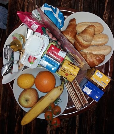 Le Serre Suites & Apartments: la ricca colazione x 3
