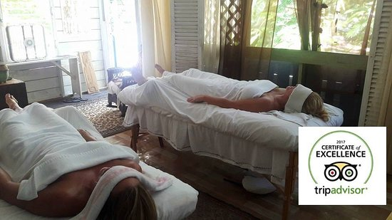 Placencia, Belice: couples or friends massage!