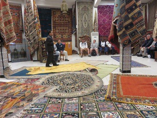 Andalsur Excursiones : Carpet Shop
