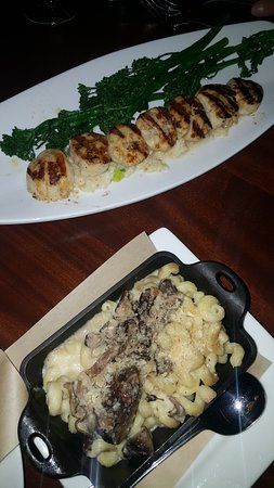 Seasons 52: Grilled Sea Scallops - Look at that Sear