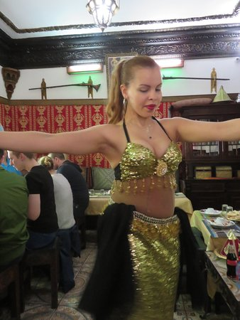 Andalsur Excursiones : Belly Dancer