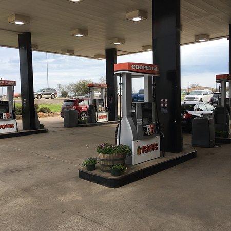 Fairfield, TX: Pumps.