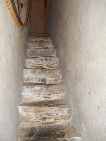 Benderloch, UK: There are 2 secret passageways in the castle. This is one of them.