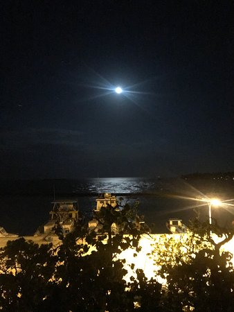 Beach Stay Maldives: A fine night with the Moon Light