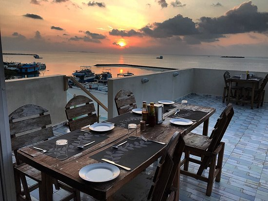 Beach Stay Maldives: Dinner is Ready