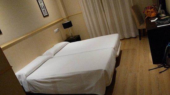 All In Hotels Suites Feria de Madrid: Camera doppia