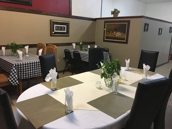 Young Harris, GA: Sitting for all size parties including private group room