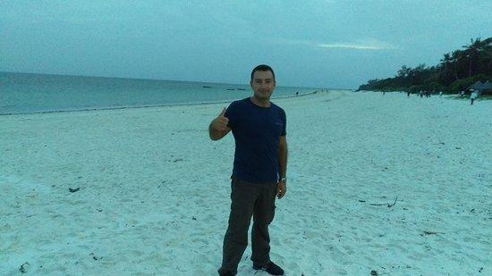 Nyali Beach: IMG_20180311_185335_373_large.jpg