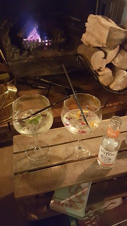 Burwell, UK: G&Ts by the fire
