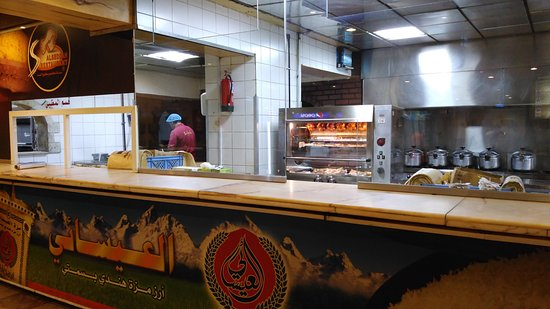 Al Seddah Restaurant: Open Kitchen