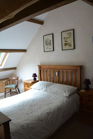 "Langoelan, França: Master bedroom in ""Bis"" at Locmaria"